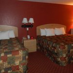 Photo of Days Inn & Suites - Niagara Falls / Buffalo