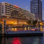 Photo de Sheraton Norfolk Waterside Hotel