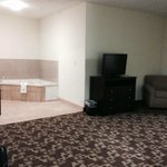 Photo de Holiday Inn Express Hotel & Suites Kansas City Sports Complex