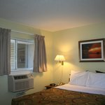 Sun Suites Gainesville의 사진