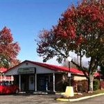 Quality Inn Fayetteville with Fall foliage