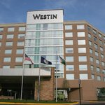 Front view of Westin Dulles Airport Hotel