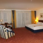 Foto Ramada Plaza Berlin City Centre Hotel & Suites