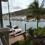 Photo de Boathouse Apartments by Outrigger
