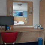 Photo de Travelodge Bath Central