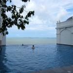 Infinity pool, Victory Wing