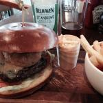Links Burger with local Belhaven Ale