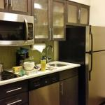 Candlewood Suites Alexandria:Suite's full kitchen