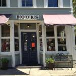Downtown Books & Purl
