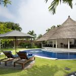 three bedroom pool villa - garden
