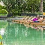 Holiday Inn Bangkok Sukhumvit - Leisure at outdoor lap pool