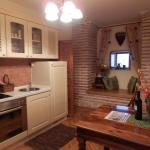 Loved the wall alcove in the well equipped kitchen