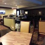 Breakfast Room at Holiday Inn Express Midtown