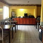 Americas Best Value Inn & Suites-Holland Foto