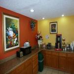 Foto de Redwood Inn and Suites