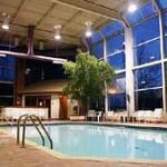 Howard Johnson Inn & Suites - Toronto East