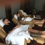 Comfortable reclining chairs for foot massage - wifi available