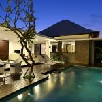 2 Bedroom Pool Villa at night