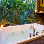 Treetops bathhouse - best enjoyed at night with a glass of wine