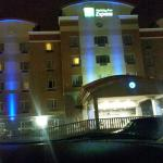 Front of holiday Inn express