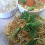 This is our Drunken noodle and my favorite dish, Green Curry :)