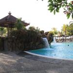 Photo de Ramada Bintang Bali Resort