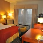 Photo de Holiday Inn Express - West Sacramento