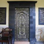 Decorative Doorway Feature on Ground Floor