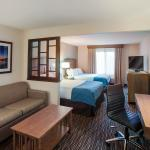Photo de Holiday Inn Express Hotel & Suites Carpinteria