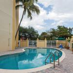 La Quinta Inn & Suites West Palm Beach I-95