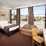 Photo of Jurys Inn Edinburgh