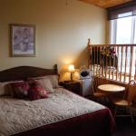 Country Pines Inn & Suites