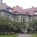 The front of Pittock Mansion