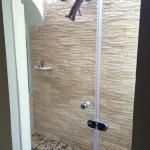 Outdoor shower. Amazzzing.