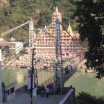 laxman jhula view from top