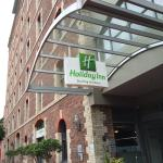 Front door of Holiday Inn Darling Harbour