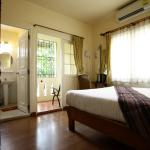 Foto de Charcoa Bed and Breakfast