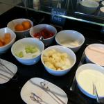 Club Level Breakfast Buffet-poorly serviced
