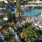 Photo de Golden Coast Beach Hotel