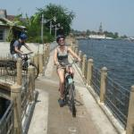 River cycle path, enjoy the cool breeze