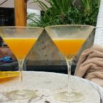 Mango Martini: Perfect Happy Hour 2for1 drinks