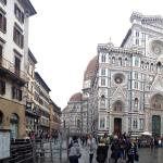 10mins walk to the duomo
