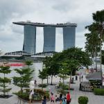 Merlion Park with MBS Hotel in Backdrop