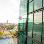 Panoramic elevator overlooking the exceptional view of Patong