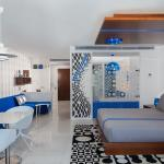 Studio suite in Mayfair blue