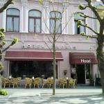 Photo of Hotel Dupuis