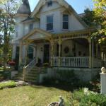 Adrounie House Bed and Breakfast