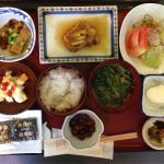 Typical Japanese food for the second day of stay..it is not the same with yesterday. 典型的な日本の朝食。昨