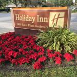 Entrance to the Holiday Inn