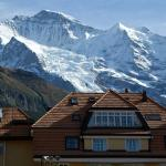 Hotel Silberhorn in summer